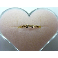 K18R Gold Bow Ring with Diamond