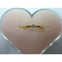 K18Y Gold Round Ring with Diamond